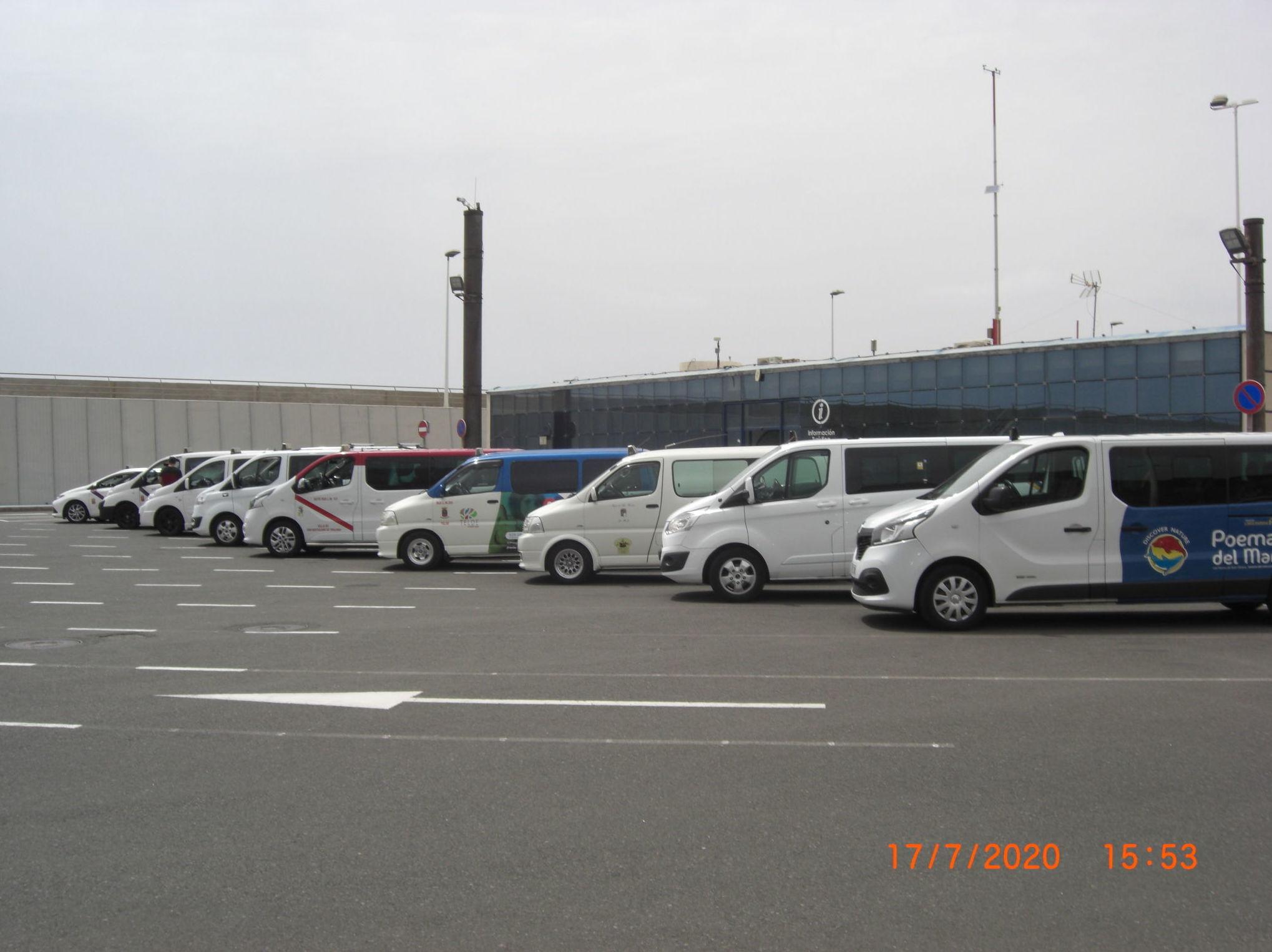 "Puerto de Agaete. Reservas de Taxis en Gran Canarias: www.taxislaspamasdegrancanaria.es ""Official Taxis Cruises Ports."""