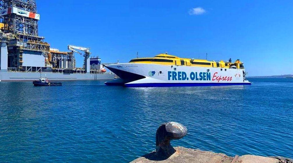 Puerto de Las Palmas y de la Luz, Taxi Terminal Fred Olsen Las Palmas. reservas WhatsApp +34699405886