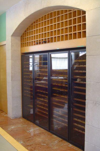 Una amplia selección de vinos en Asador San Lorenzo