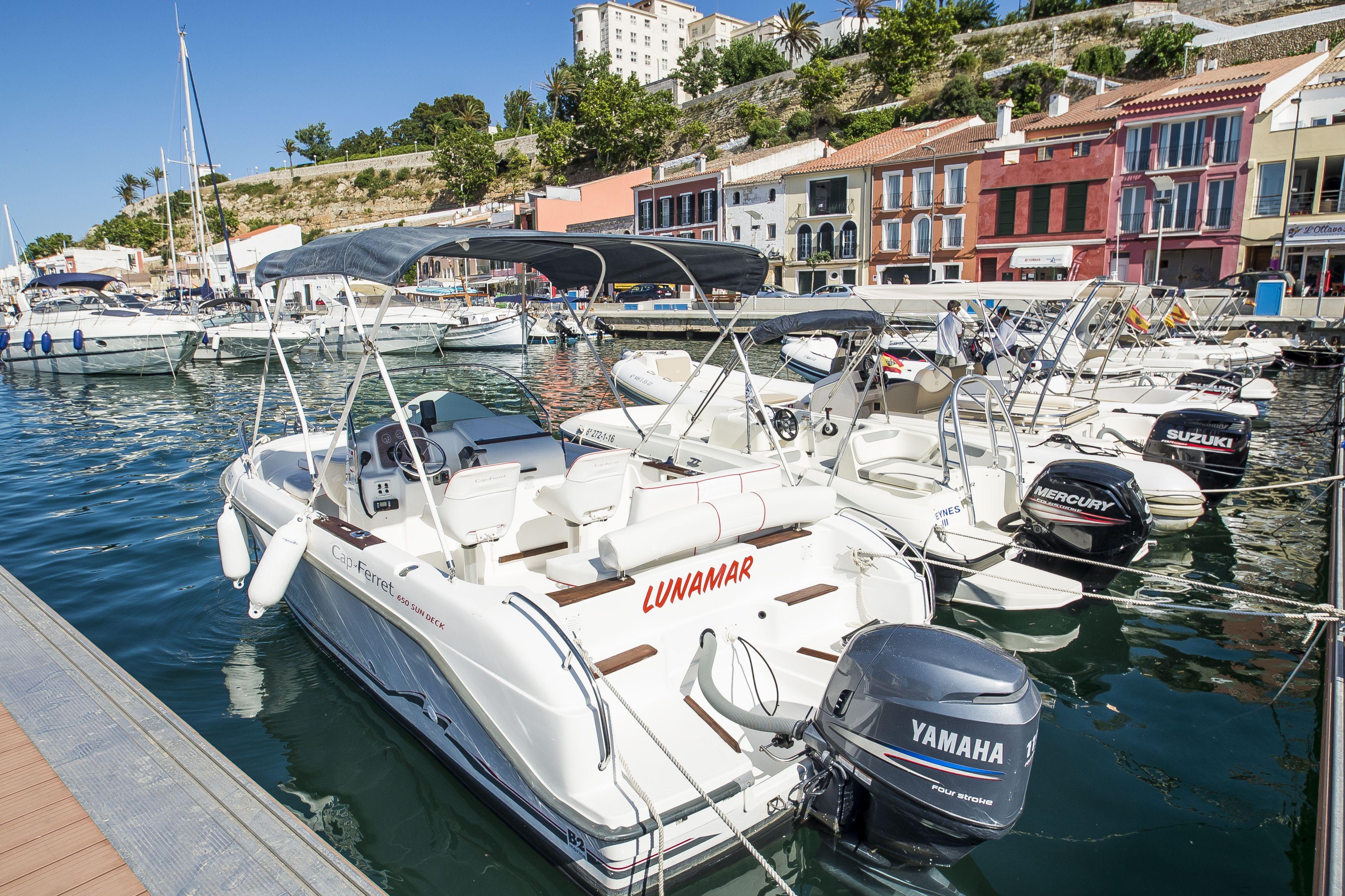 Alquiler de barcos para 12 personas en Menorca