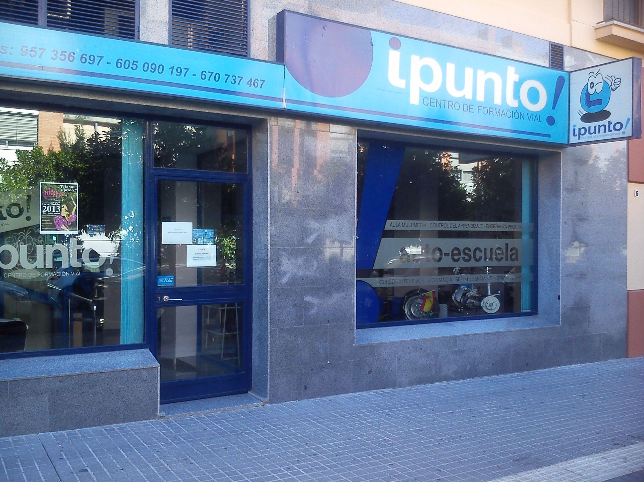 Fachada de nuestra autoescuela en Córdoba