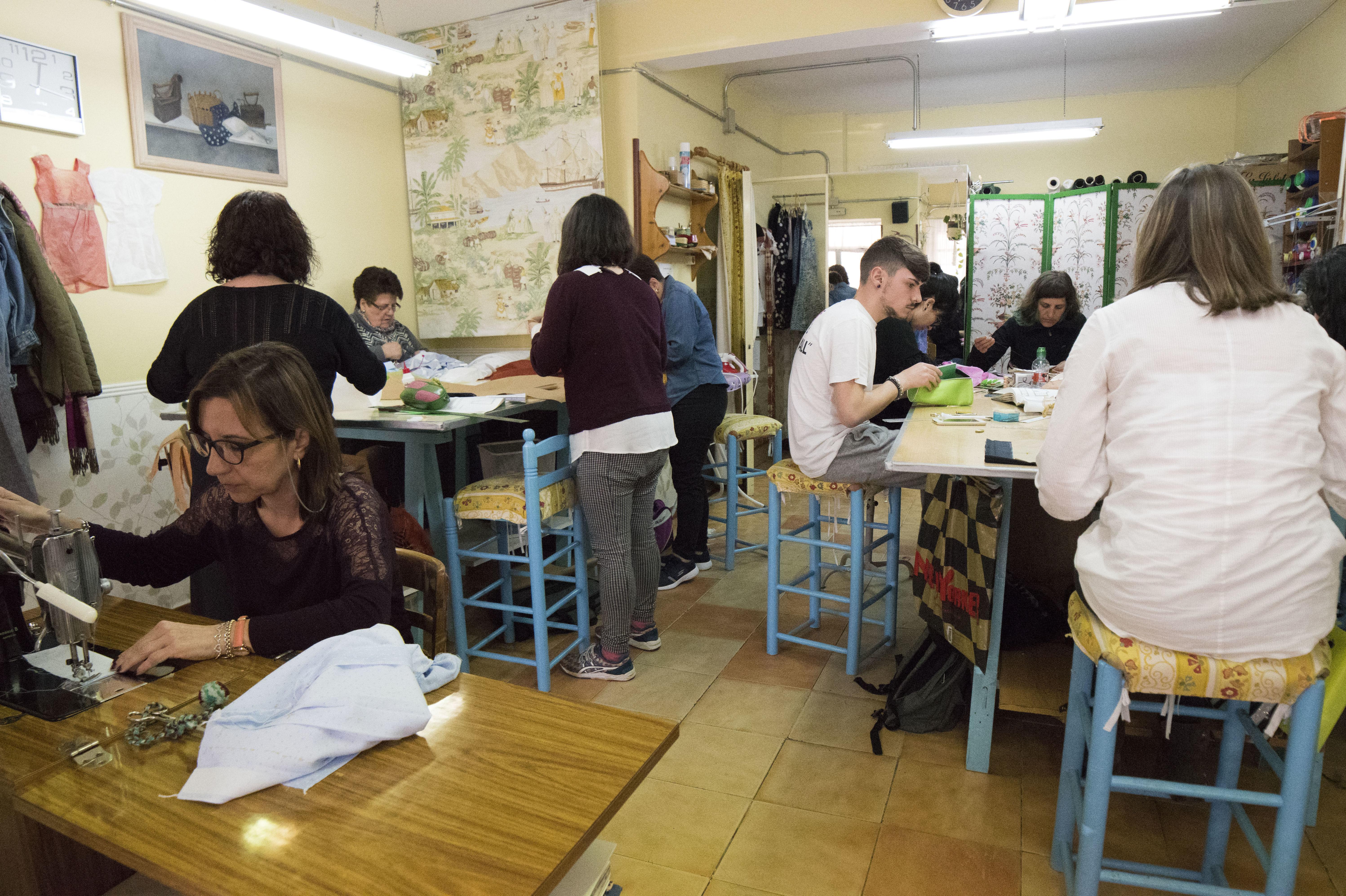 Foto 17 de Academias de corte y confección en Madrid   Academia Carmen
