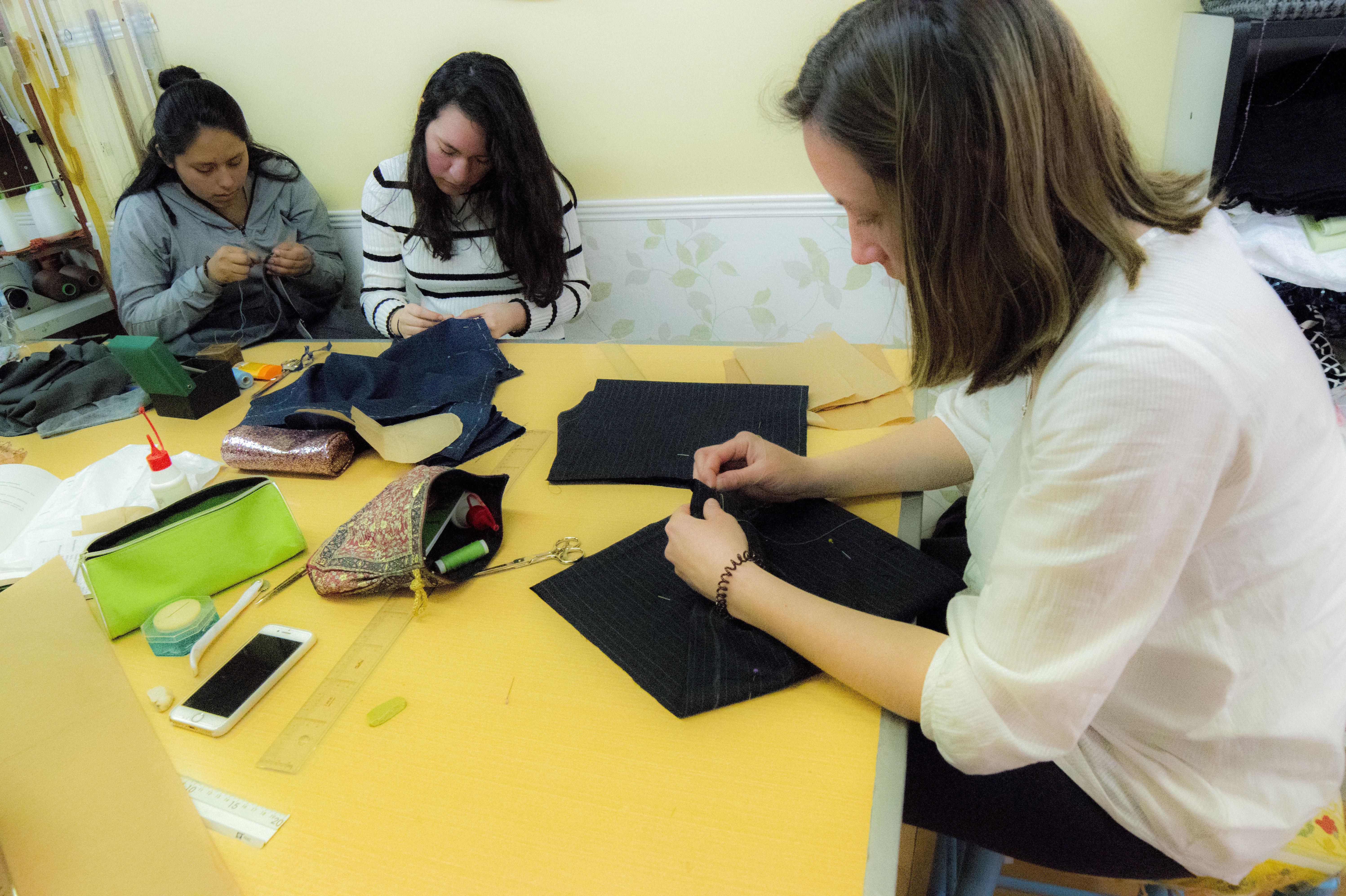 Foto 3 de Academias de corte y confección en Madrid | Academia Carmen