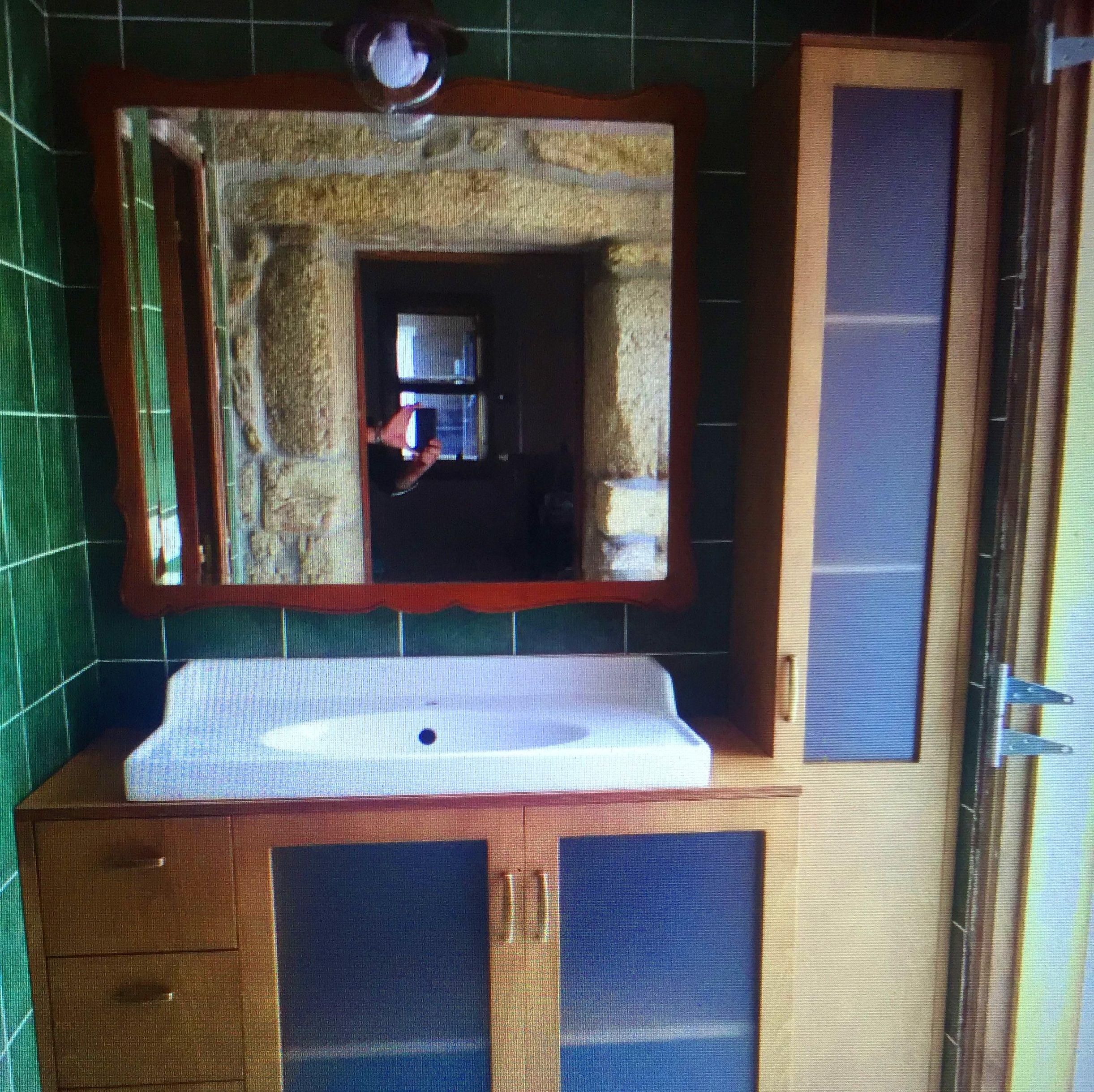 Muebles de baño realizados en tablero marino