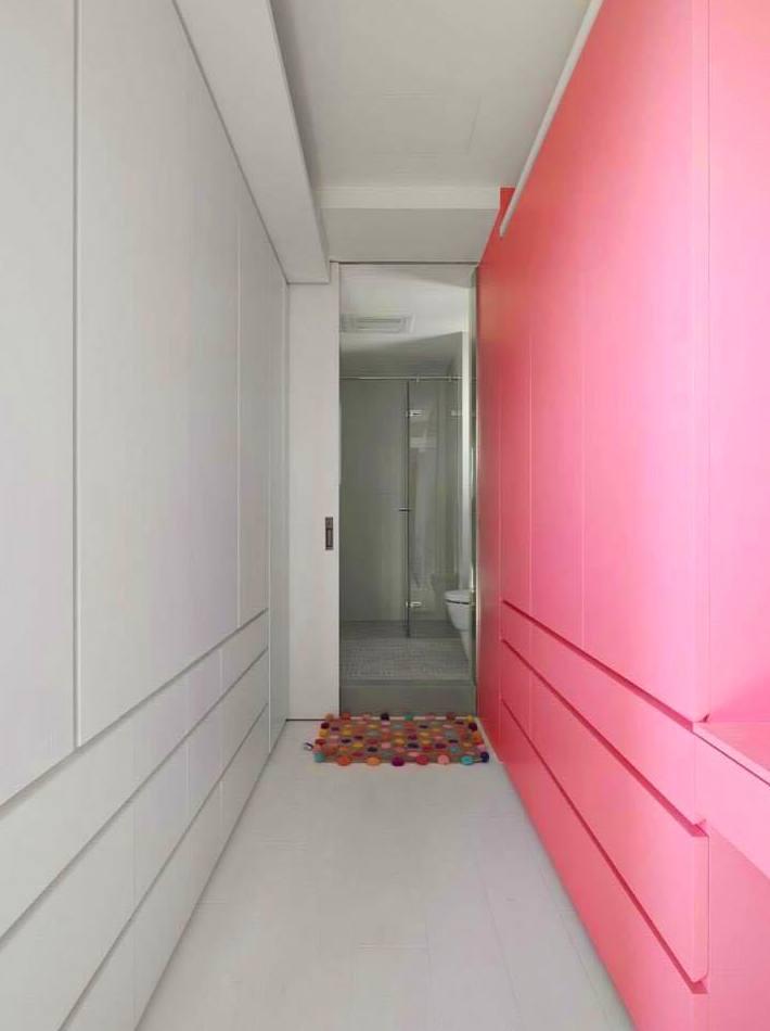 armarios, mezclando colores blanco y rosa