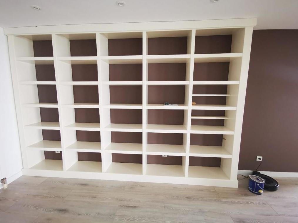 Mueble estantería lacado en color blanco