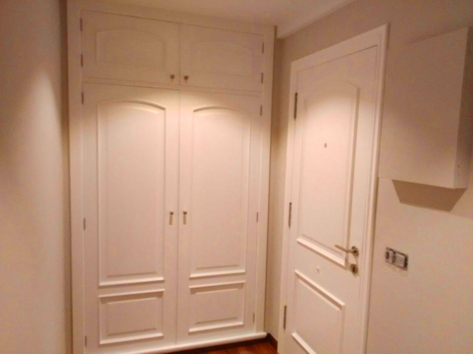 Armario y puertas de paso lacados en blanco