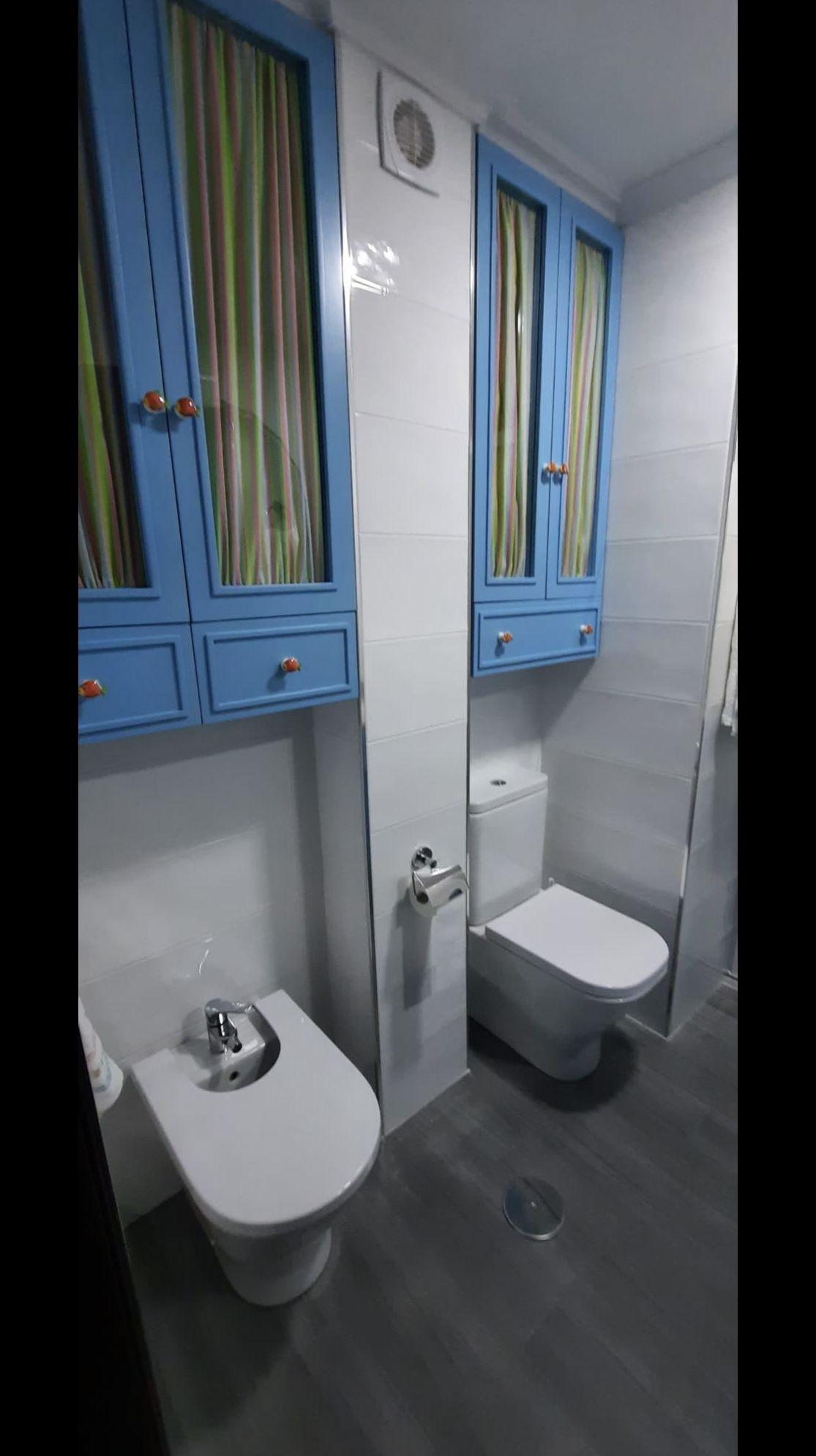 Muebles baño de colgar lacados en color azul