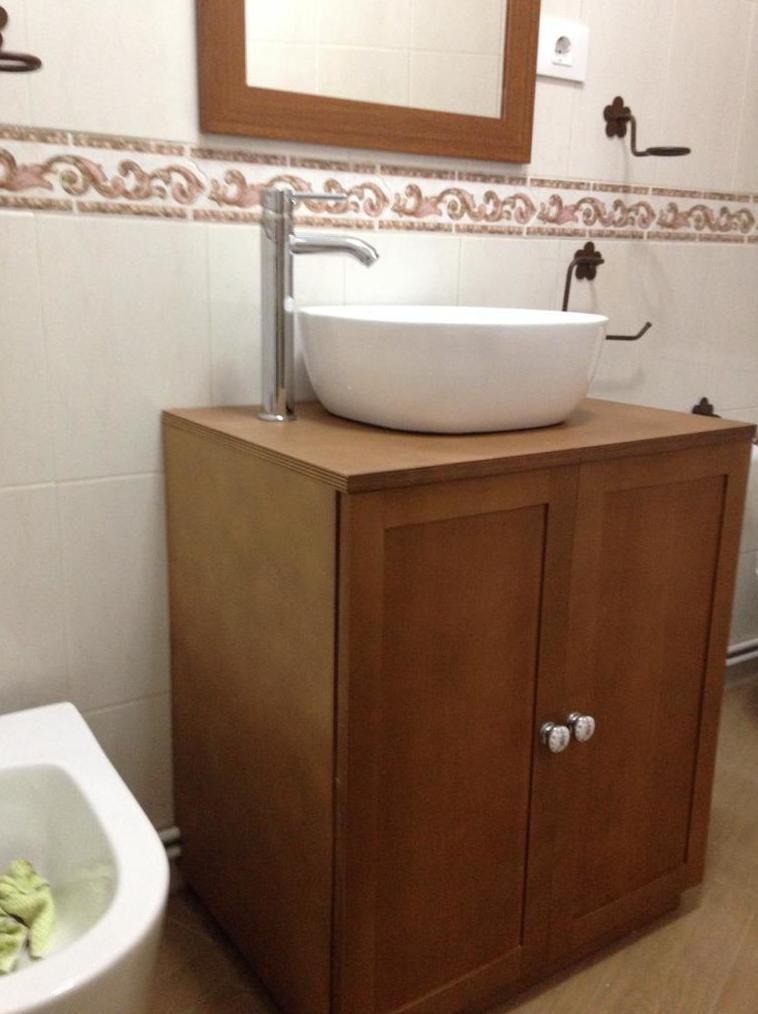 Mueble de baño realizado en tablero marino