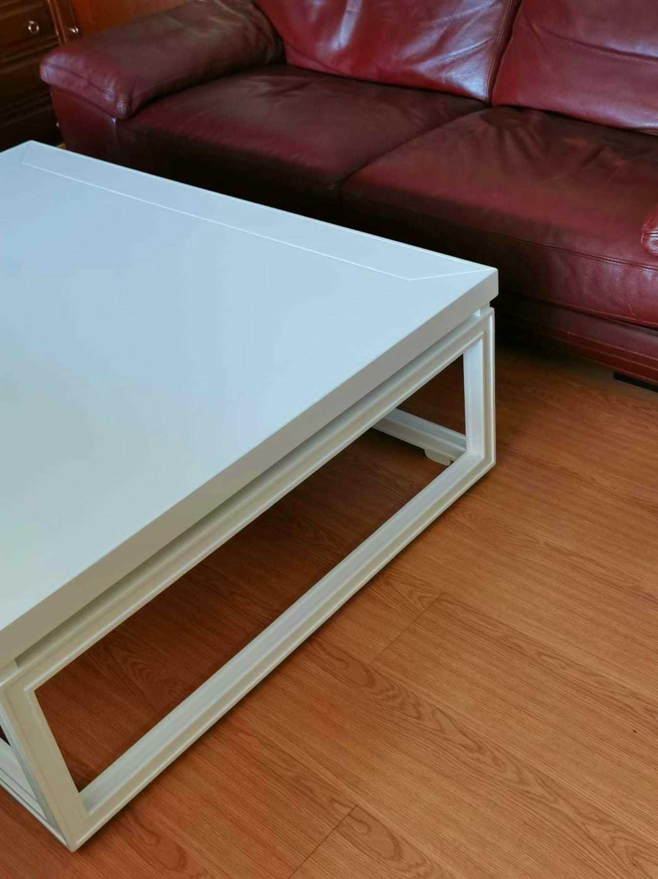 Mesa de centro salón restaurada y lacada en color blanco