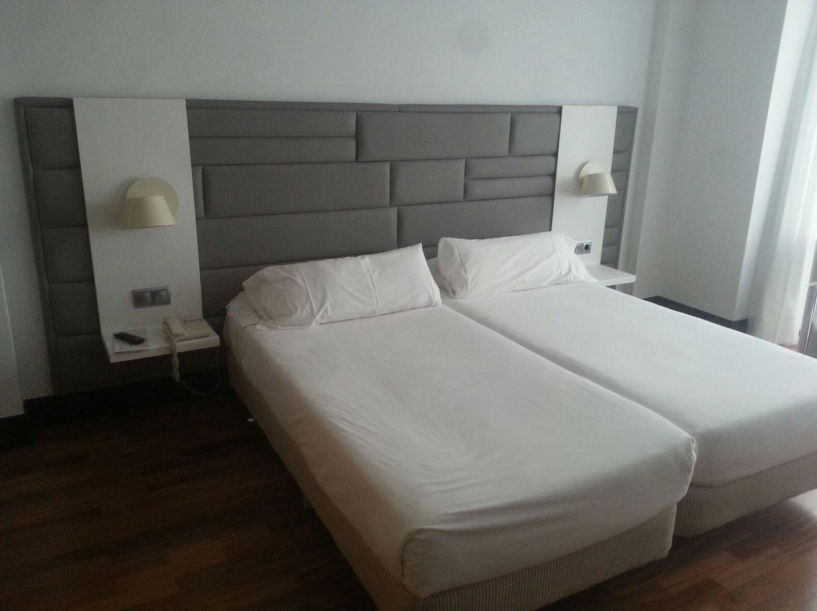 Mesillas de hotel realizadas en Krion