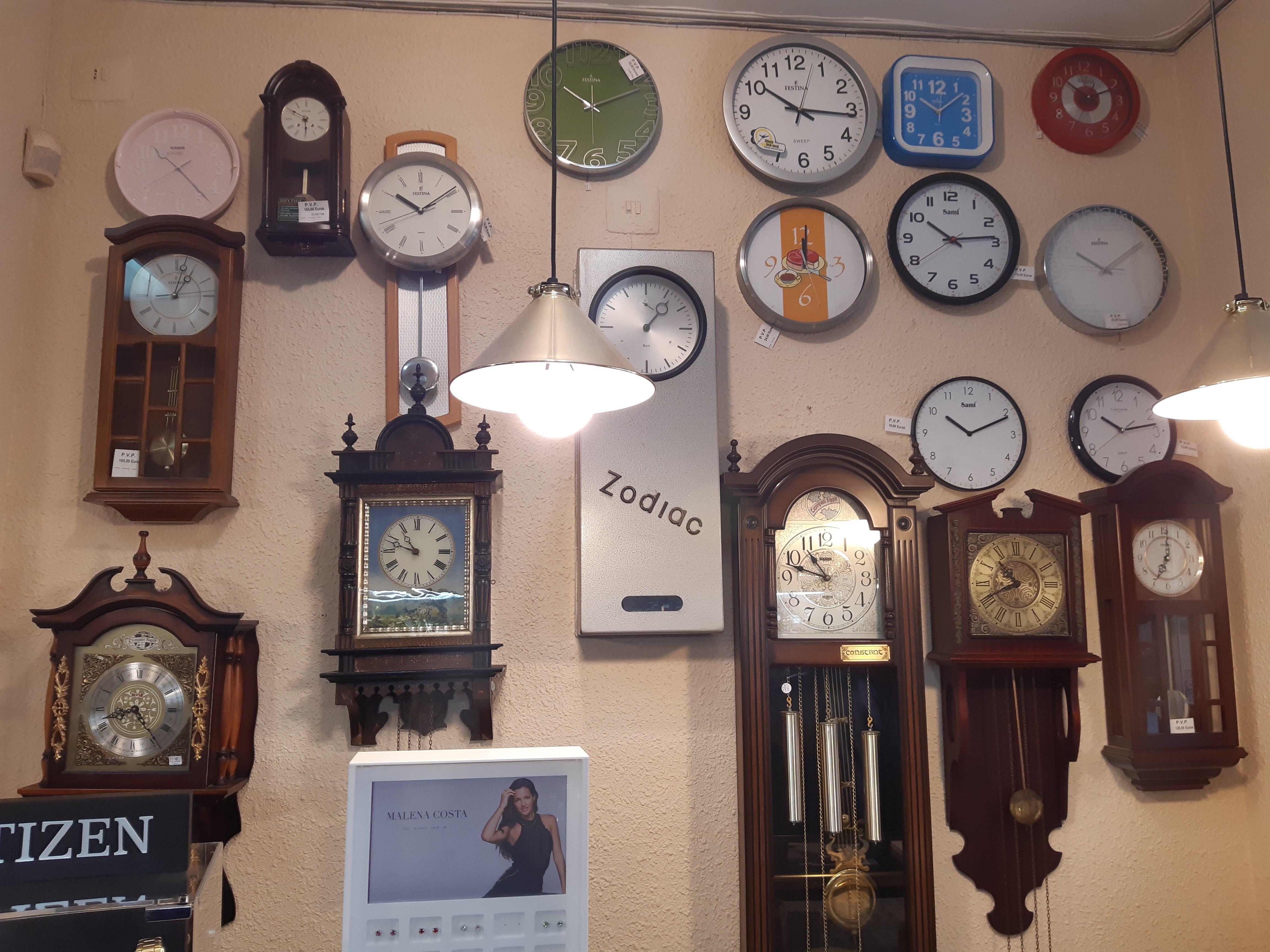 Foto 2 de Relojería en Valencia | Relojería Santiago