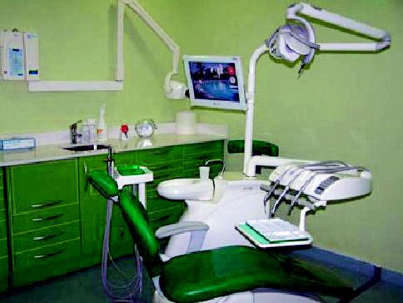 Foto 3 de Dentistas en Sopelana | Clínica Dental Moreaga - Dra. Daniele