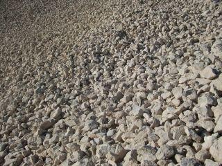 Camión de gravilla a granel: Servicios de Hnos. López Materiales de Construcción