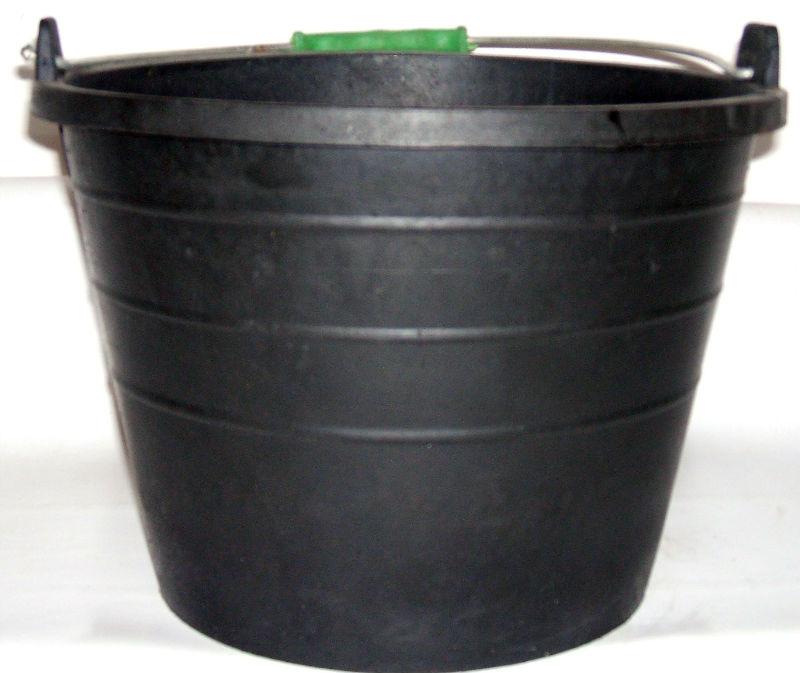 Cubos de goma: Servicios de Hnos. López Materiales de Construcción