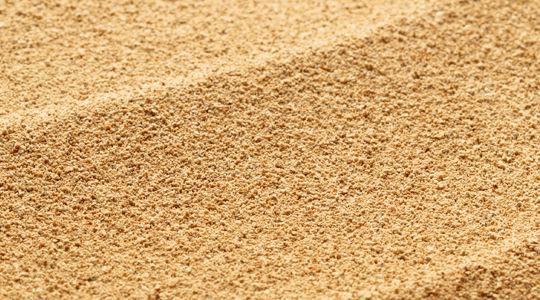 Camión de arena:  de Hnos. López Materiales de Construcción