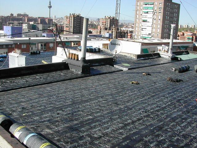 Tela asfáltica: Servicios de Hnos. López Materiales de Construcción