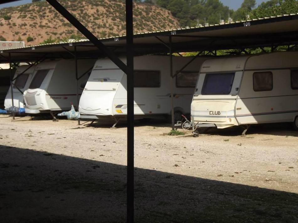 Parking vigilado y con seguro para caravanas en Tarragona