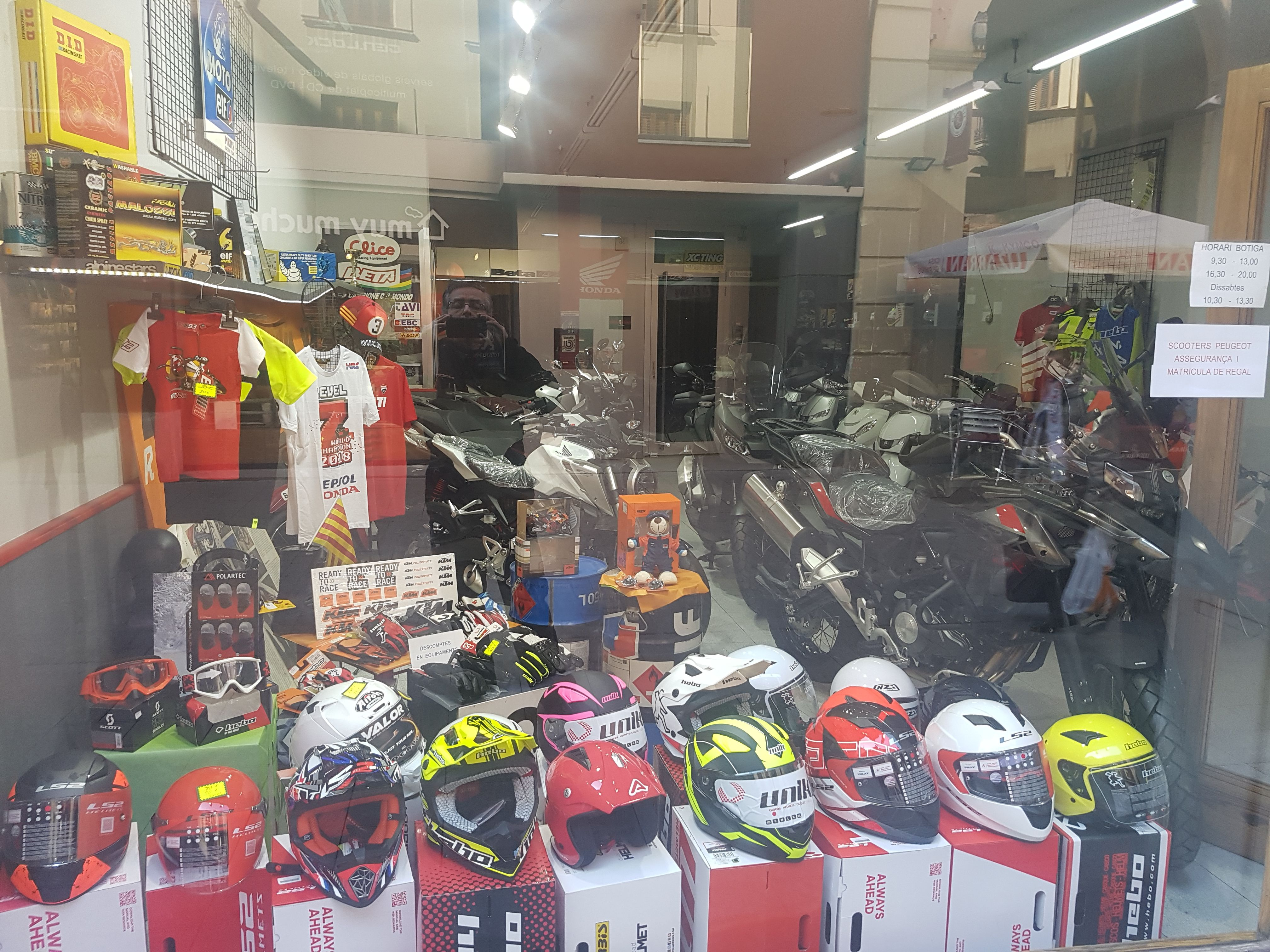 Accesorios y reparación de motos en Vic