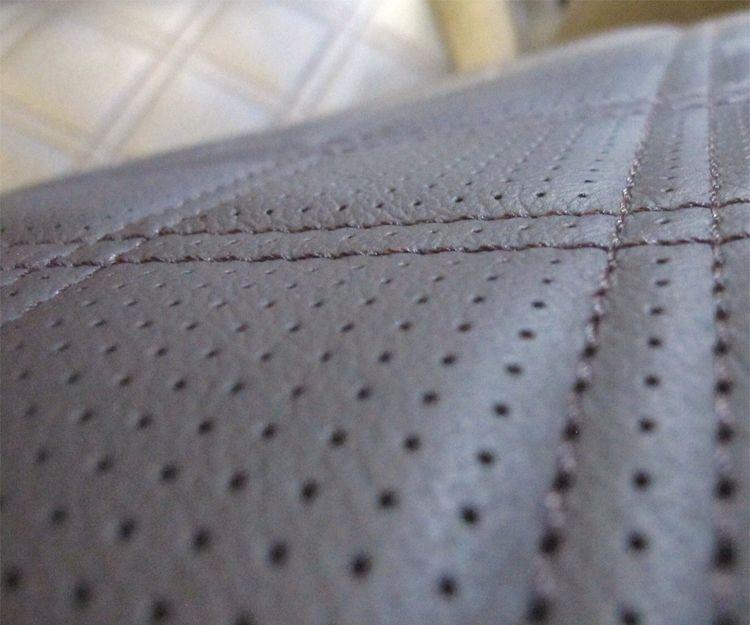 Detalle de tapizado de vehículo