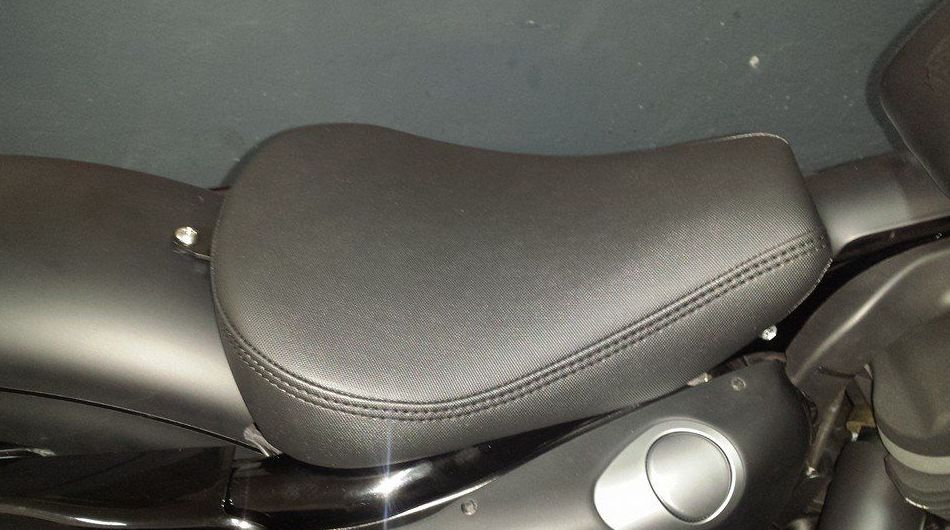 Sillín de moto tapizado