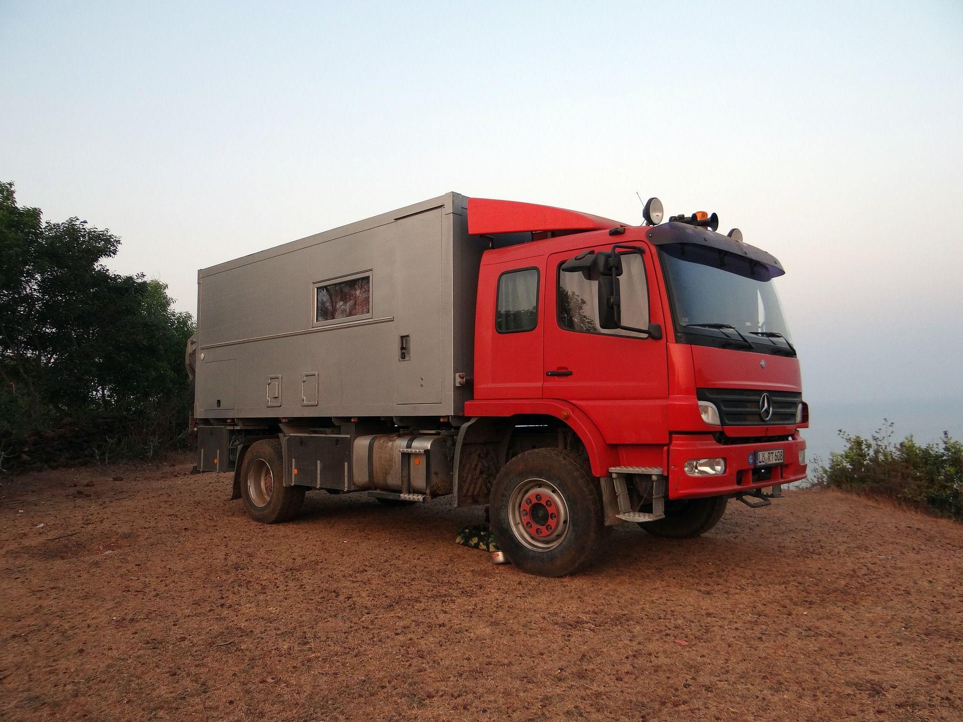 Lavado exterior de vehículo de grandes dimensiones
