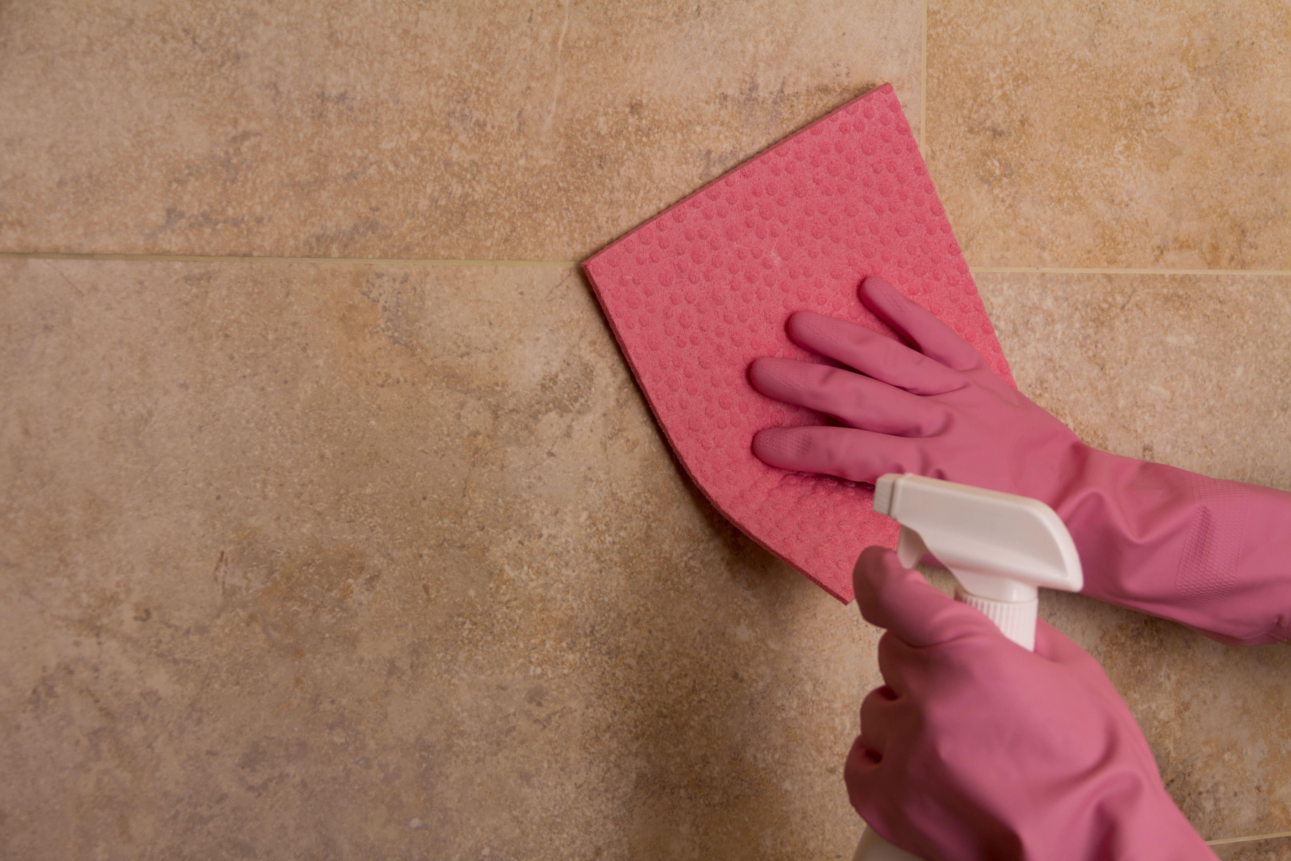 Limpieza de baños en Granada