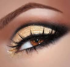 Maquillaje: Productos y Servicios de Coco McRyan