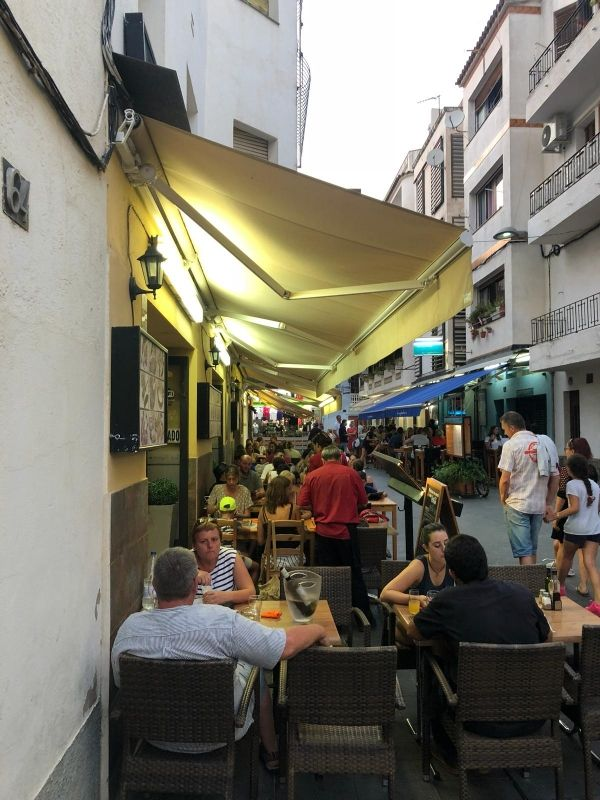 Restaurante con menú diario en Roses