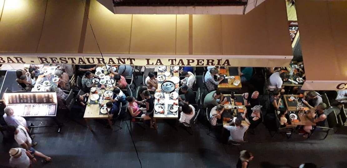 Restaurante con terraza enRoses