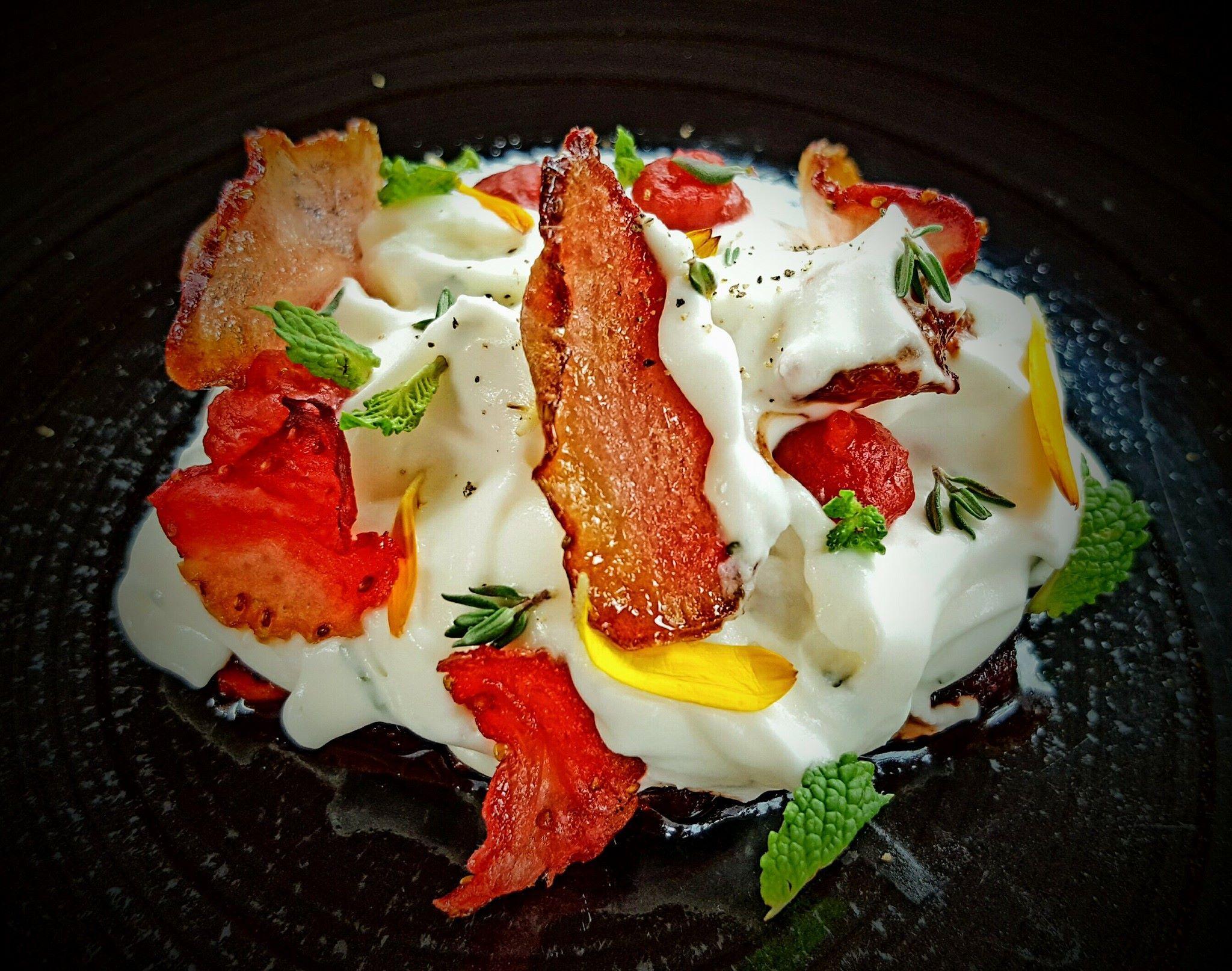 Fresas con nata: Menus degustación  de Restaurante Dámaso