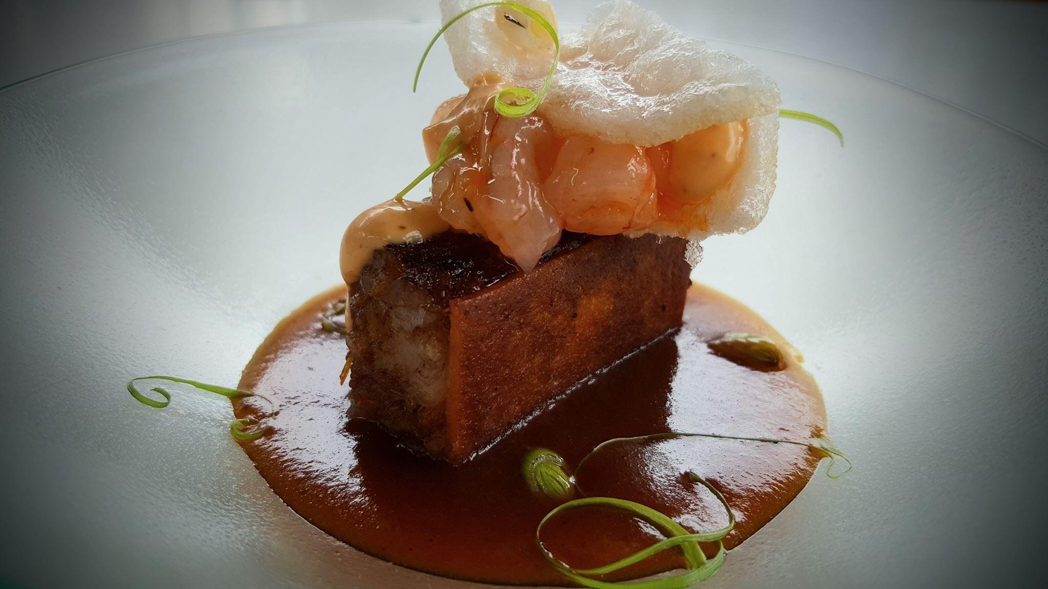 Sándwich de manitas de cerdo y sobrasada: Menus degustación  de Restaurante Dámaso