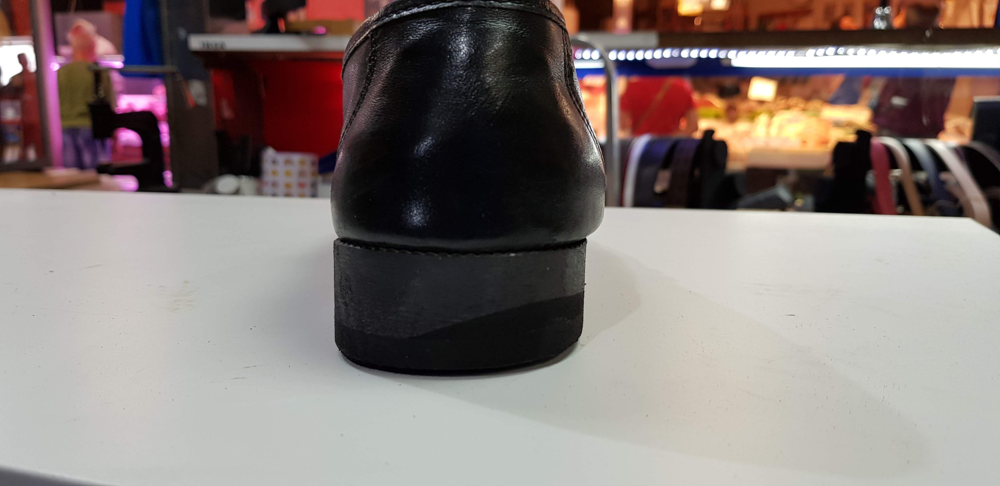 Reparación de zapatos de cuero