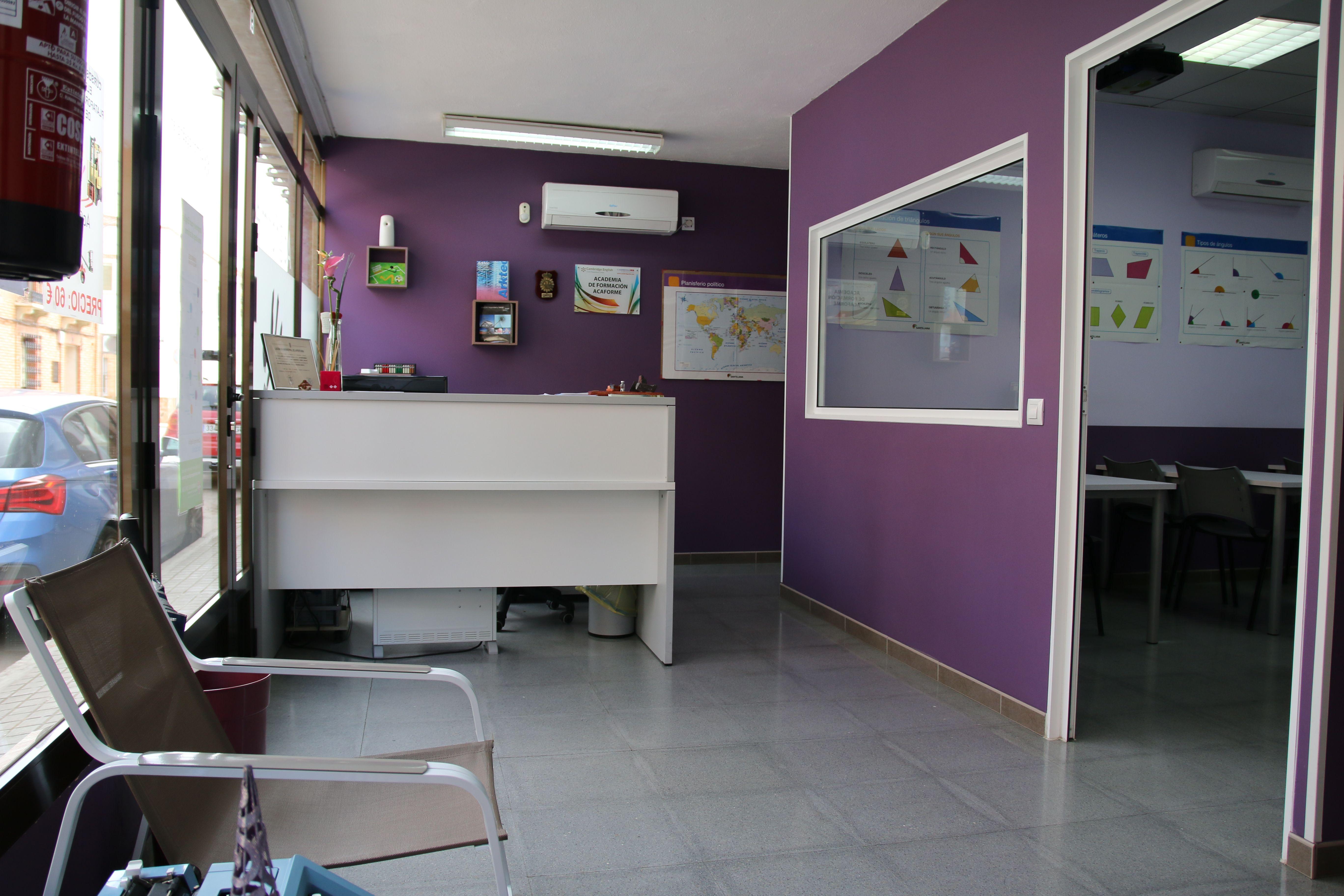 Academia de apoyo escolar y oposiciones en Valdepeñas