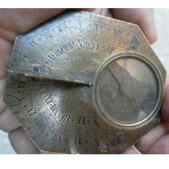 Brújula reloj de sol meridiano. De Nicolás Bión. Siglo XVIII: Catálogo de Antiga Compra-Venta
