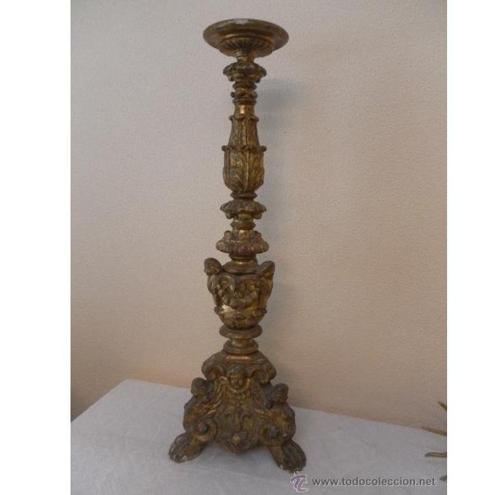 Candelabro barroco de madera. Siglo XVII / XVIII: Catálogo de Antiga Compra-Venta