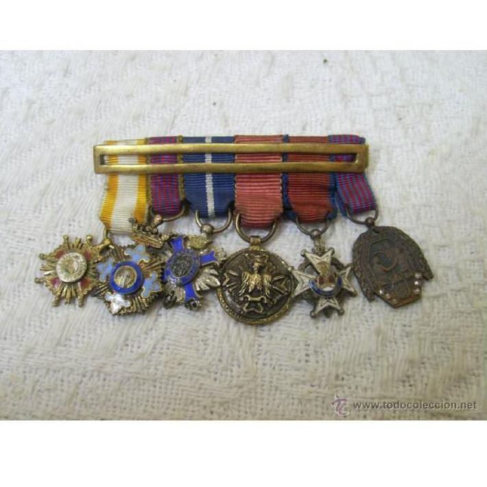 Pasadores de miniaturas. Seis condecoraciones. Época de Franco: Catálogo de Antiga Compra-Venta