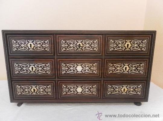 Compra venta de muebles de coleccionismo