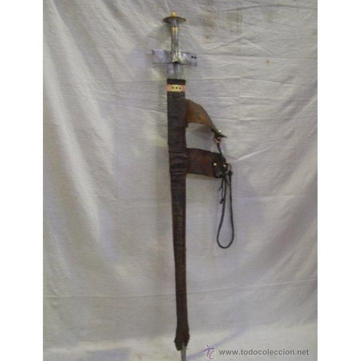 Espada africana. Takouba arma típica de los Tuaregs, nómadas del desierto : Catálogo de Antiga Compra-Venta