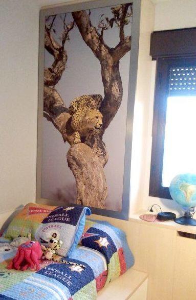 Dormitorio con leopardo