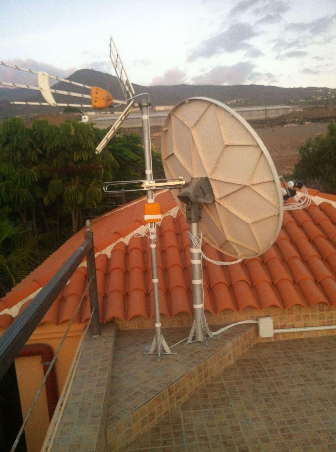 Antenas parabólicas en Tenerife