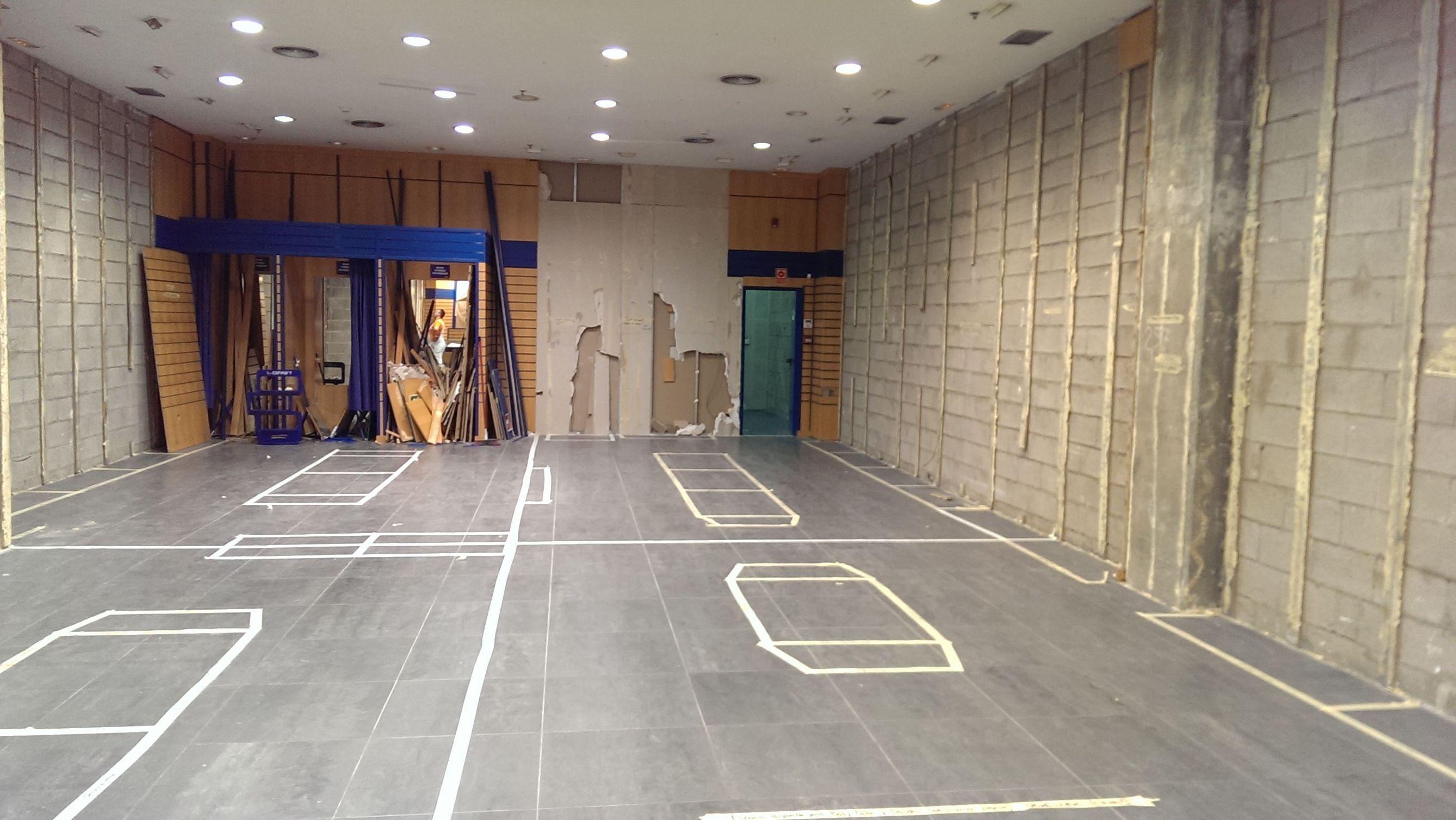 Reforma de local con de yeso laminado en techo y paredes en Getafe