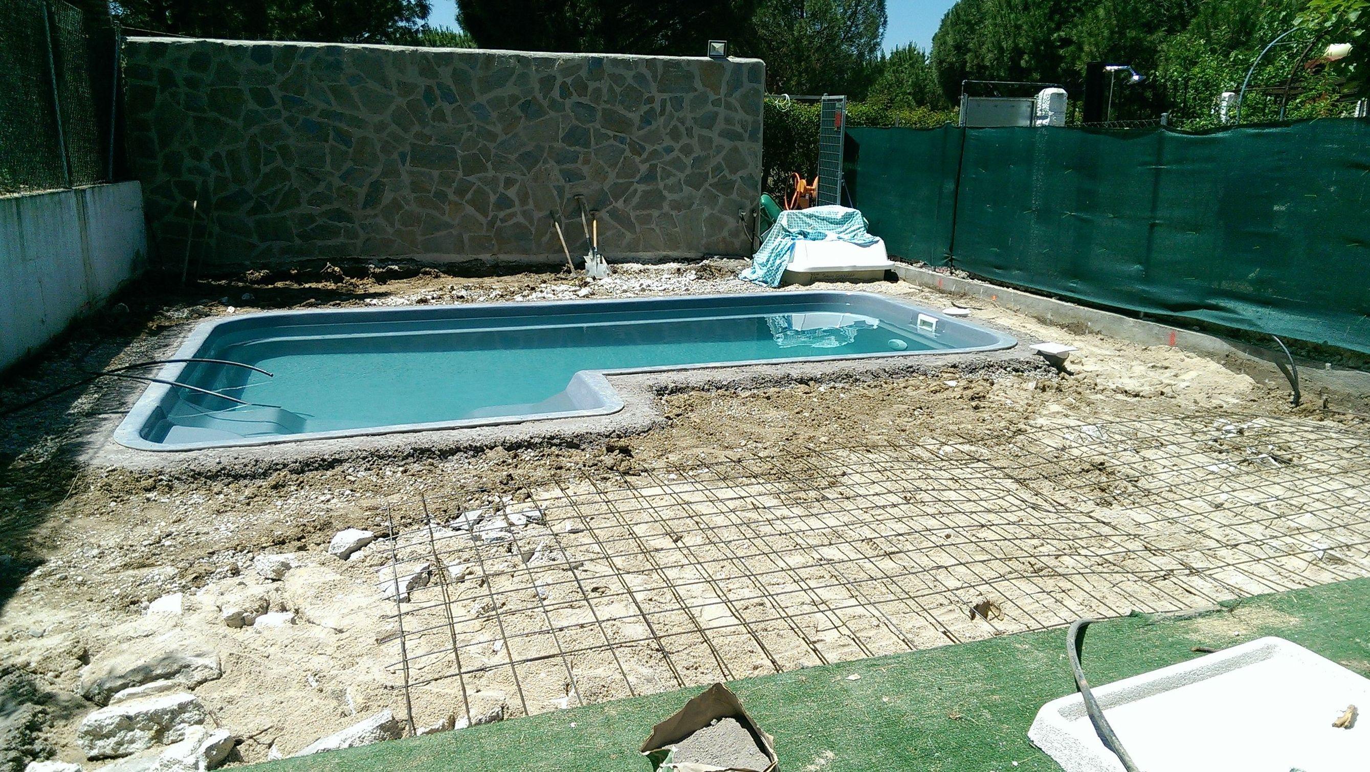 Instalación de tarima tecnológica en piscina en Getafe