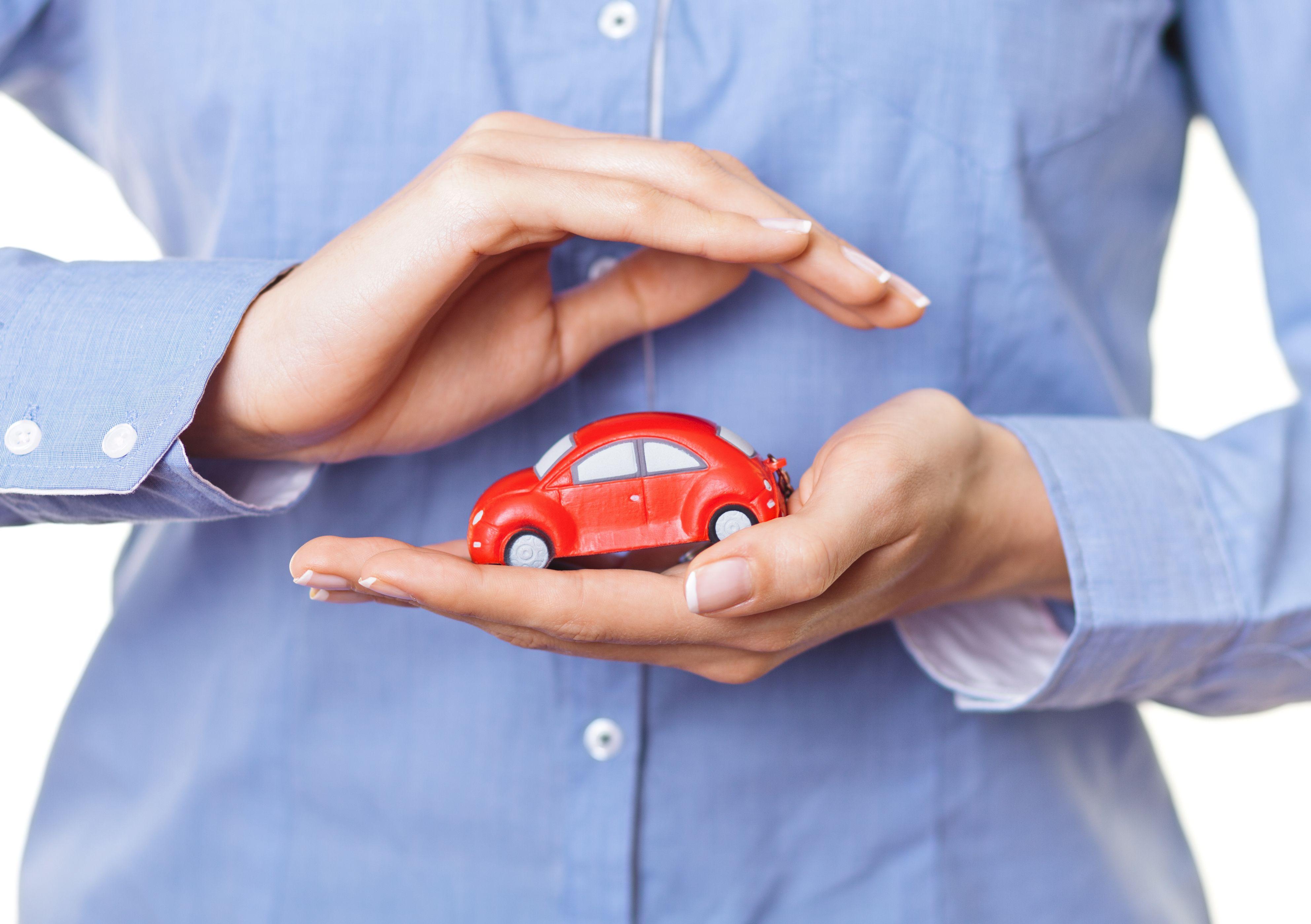 Seguro de auto a terceros ampliado: Seguros de Rodríguez y Calzadilla