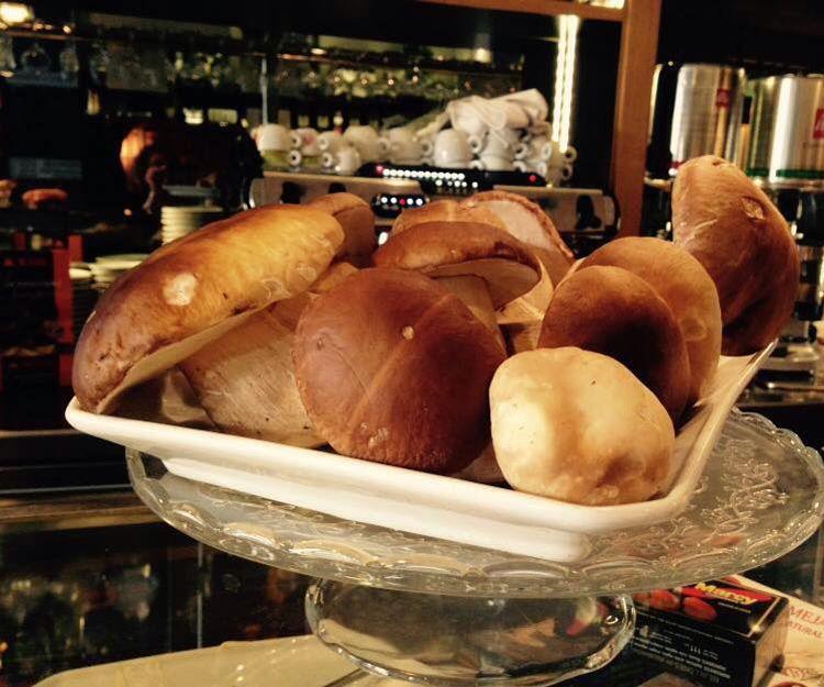 Cocina con platos de temporada en Palencia