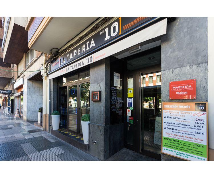 Fachada de La Tapería del 10 en Palencia