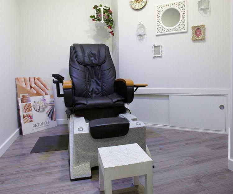 Sillón de masaje profesional con jacuzzi para los pies