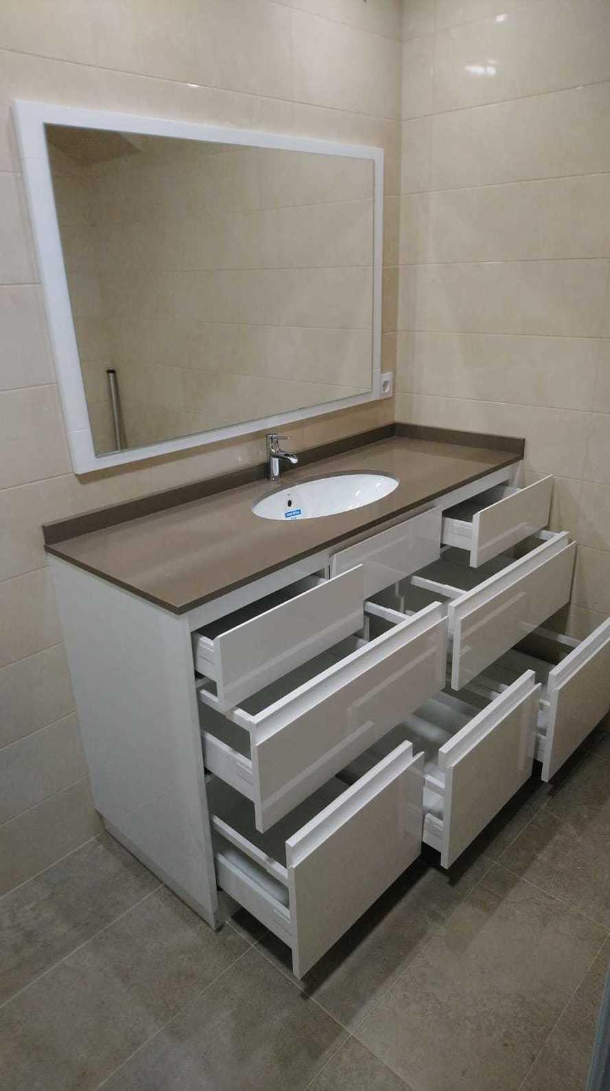 Mueble de baño con cajones, gran capacidad de almacenaje