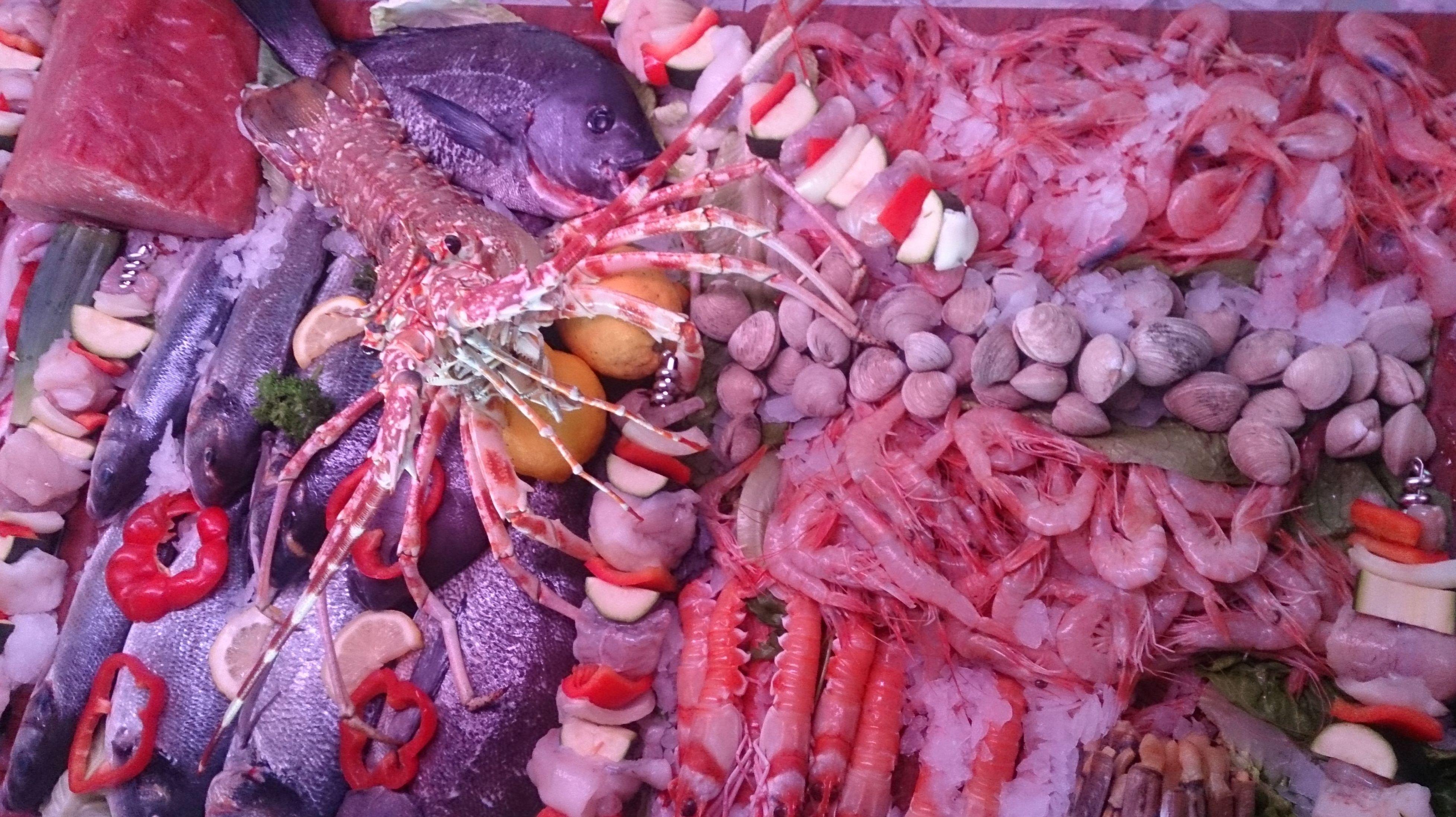 Especialidad en pescado fresco al horno