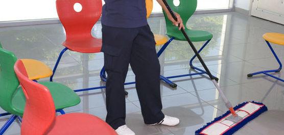 Limpieza de colegios: Servicios de Manglobal 2013 SL